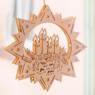 Svítící dřevěná hvězda