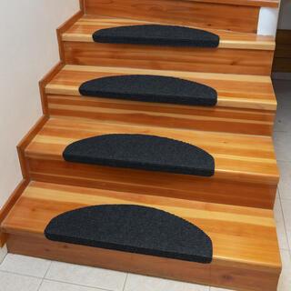 Koberec na schody QUICKSTEP půlkruh antracitový