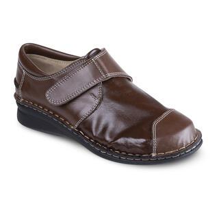 Dámská uzavřená obuv s pružným nártem