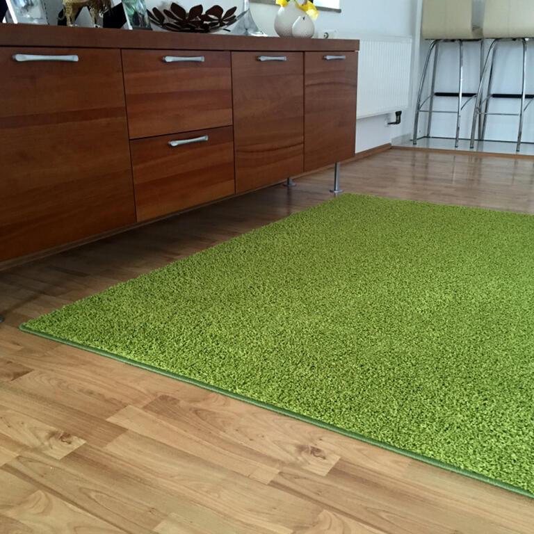 Koberec SHAGGY zelený 140 x 200 cm - 1