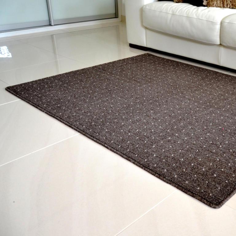 Kusový koberec UDINESE hnědý 140 x 200 cm