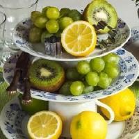 Etažér z talířů