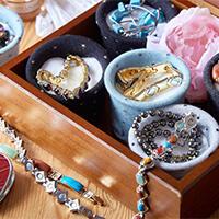 Organizér na šperky a magnetické náramky